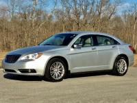 2012 Chrysler 200 Limited 4-Door Sedan
