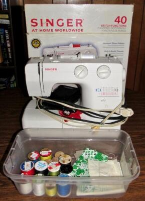 Singer 40 Stitch Function Sewing Machine