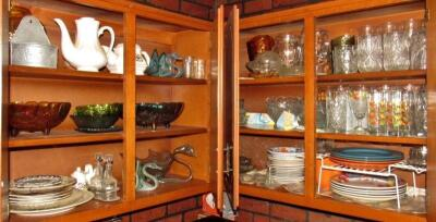 Contents of 4 Kitchen Cabinets