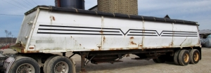 1994 Wheeler Grain Semi Trailer