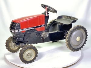 1991 Ertl Case International 7130 Pedal Tractor