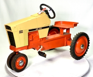 1970 Ertl Case 1070 Agri King Pedal Tractor