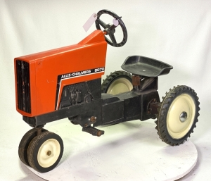 1983/1985 Ertl Allis Chalmers 8070 Pedal Tractor