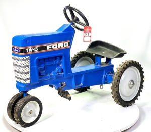 1986 Ertl Ford TW-5 Pedal Tractor
