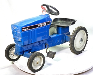 1992 Ertl Ford 7740 Pedal Tractor