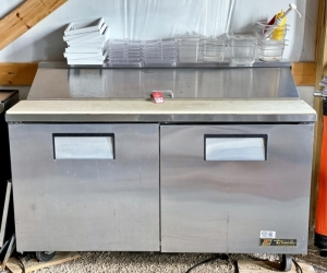 True Sandwich/Salad Prep Table with Refrigerated Base