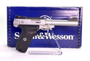 Smith & Wesson SW22 Victory 22 Pistol - New