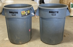 Rubbermaid Brute 44-Gallon Gray Garbage Cans