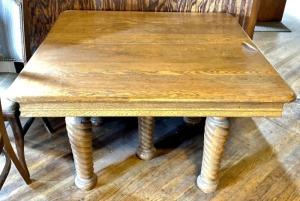 Vintage Oak Twisted 5-Legged Table