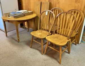 Vintage Country Harvest Table & Chairs