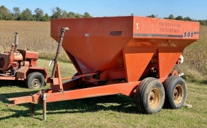 Wilmar 500 Pull-Type PTO Driven Fertilizer/Lime Spreader