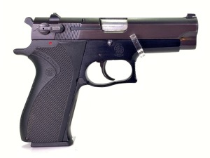 Smith & Wesson 3904 9mm Pistol