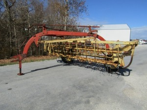 New Holland 256 Hay Rake
