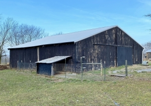 Horse Barn 48'x48' - To Be Removed