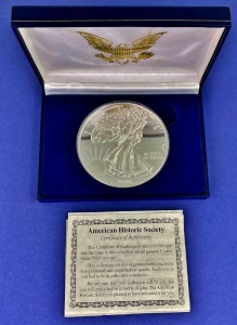 2000 Half-Pound Silver Eagle Replica Coin