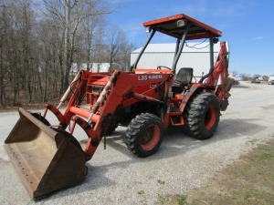Kubota L35 4x4 Tractor with Loader