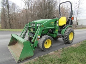 John Deere 2320 4x4 Tractor with JD 300CX Loader