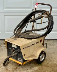 Vintage IH 355 Electric Pressure Washer