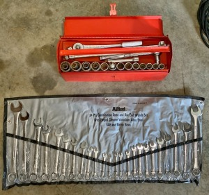 "JH William 1/2"" Socket Set & Allied 24"" Combination Wrench Set"