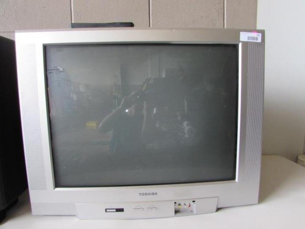 2005 Toshiba 27A45 Television - Current price: $