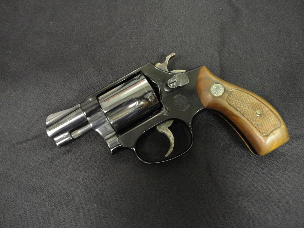 Smith & Wesson  38 Special CTG Air Weight Snub Nose 5 Shot