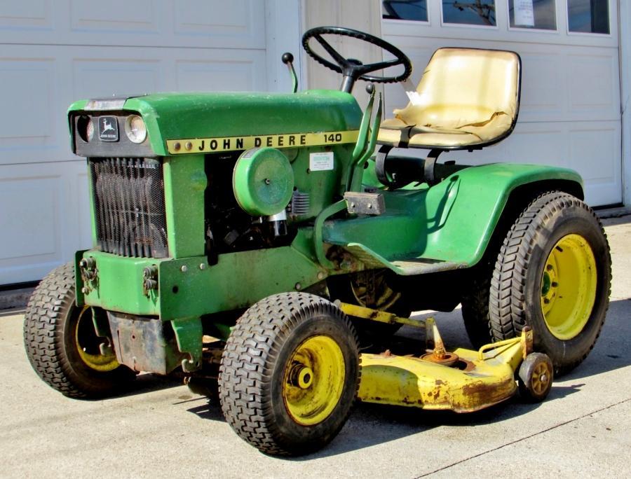 Vintage John Deere 140 Lawn Garden Tractor