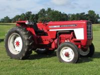 1973 IH 574D Tractor