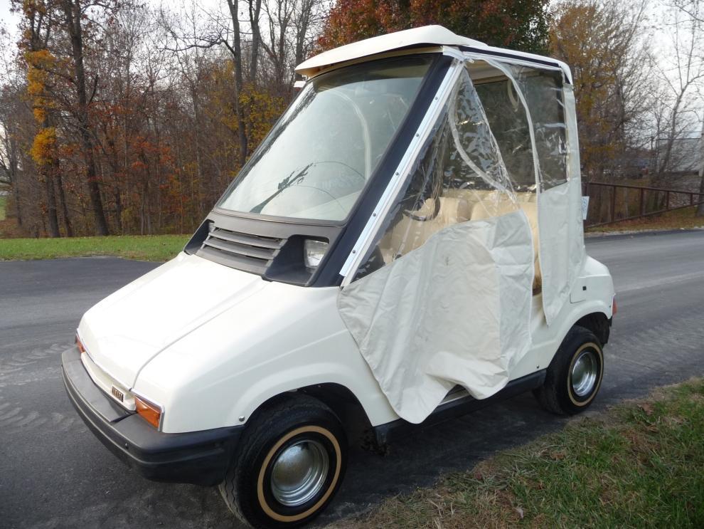 Yamaha Electric Sun Classic Golf Cart - Current price: $1500